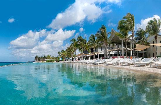 Vakantie Curaçao met prachtig zwembad