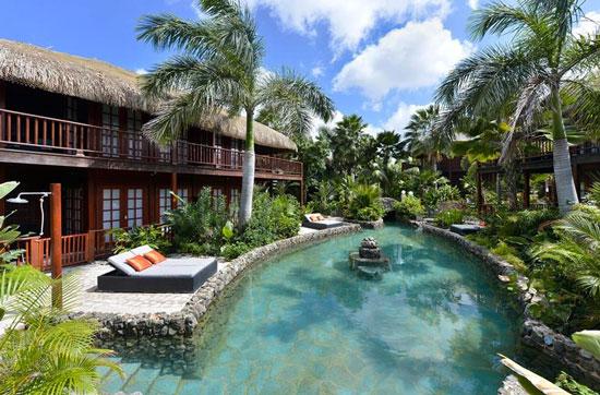 Luxe hotel op Curacao met een groot omliggend zwembad
