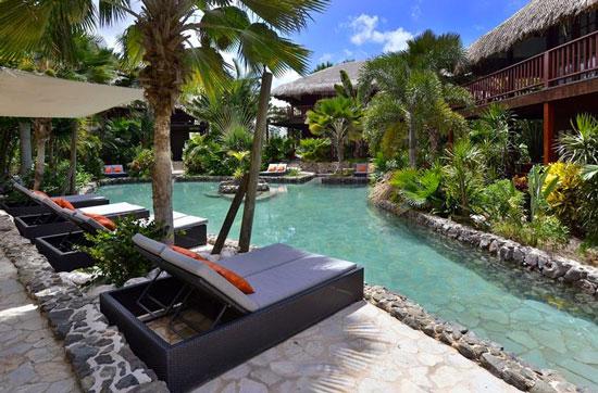 Hotel Curaçao met groot zwembad