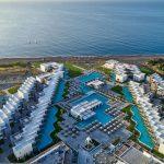 Luxe vakantie op Rhodos met groot zwembad aan zee