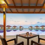 Ultiem genieten vanuit een infinity pool op de Malediven