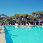 Luxe hotel met toffe waterglijbanen in Lara