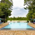 Fantastisch resort met infinity pool midden in de Surinaamse jungle