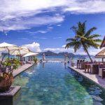 Zonnig hotel met infinity pool op de Seychellen