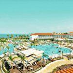 Vakantie met groot zwembad bij luxe resort op Cyprus