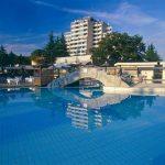 Zonnnige vakantie vanuit leuk hotel in Porec met groot zwembad