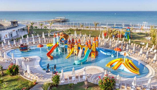 Hotel met groot zwembad Side