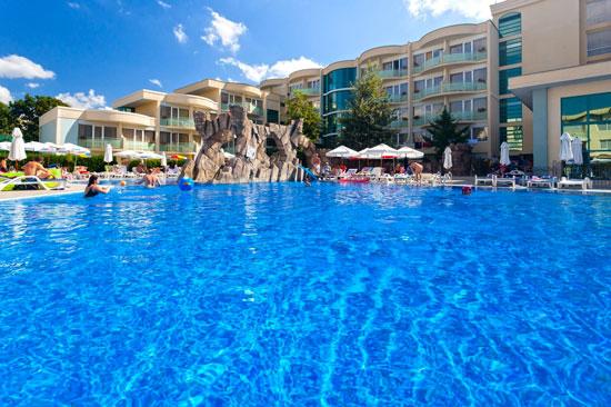 Luxe vakantie Bulgarije met groot zwembad