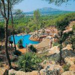 Camping met groot zwembad aan de Costa Brava in Spanje