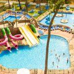 Strand en zwembad bij resort in het prachtige Marbella
