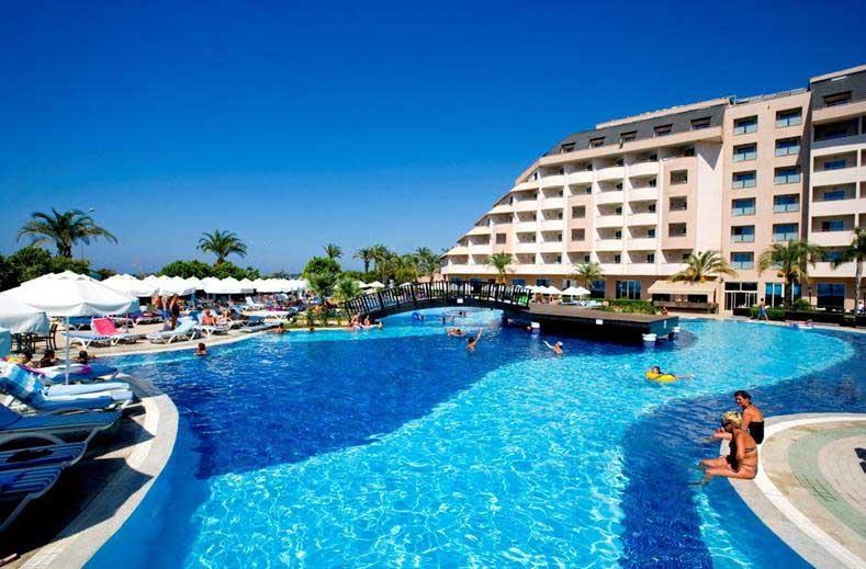 Vakantie met groot zwembad