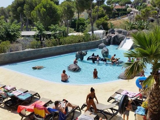 Camping Costa Brava met groot zwembad