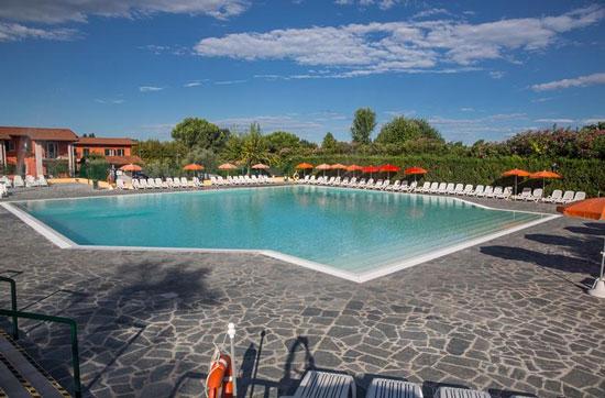 Kleinschalige camping Gardameer met zwembad