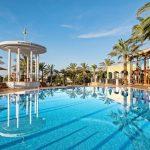 Luxe resort met zwembaden aan prachtige baai op Mallorca