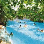 Groot vakantiepark met subtropische zwembaden in Duitsland