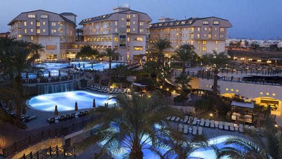 Resort Side met groot zwembad