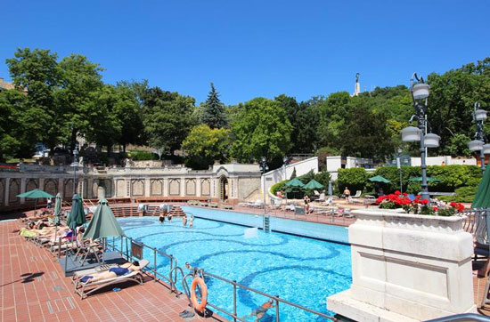 Stedentrip Boedapest met zwembad