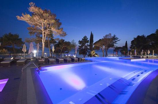 Groot zwembad in Kroatië