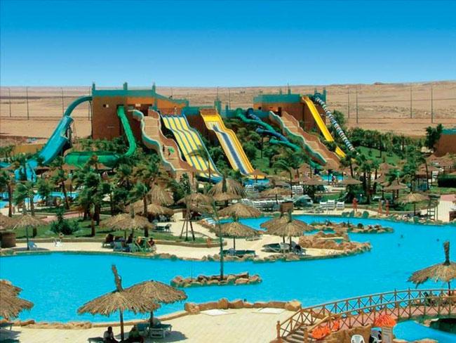Fantastisch aquapark met glijbanen in Egypte