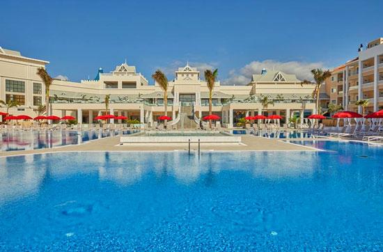 Groot zwembad op Tenerife