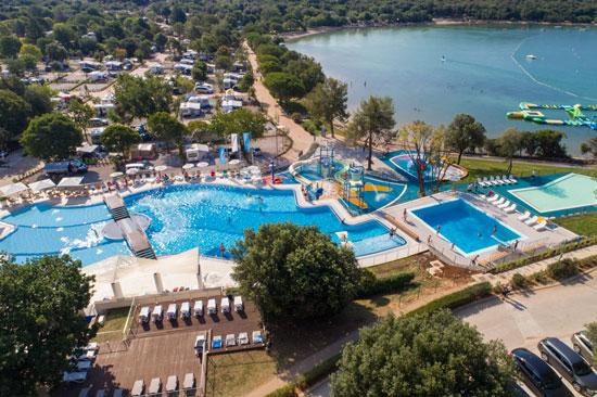 Geniet van zon, zee en strand vanaf deze gezinscamping in Kroatië!