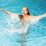 18 Campings en vakantieparken in Nederland met binnen- en buitenzwembad