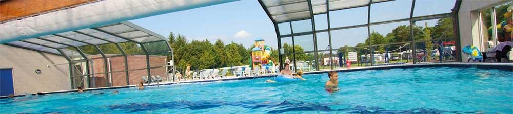 Indoor-outdoor zwembad op deze camping in Overijssel