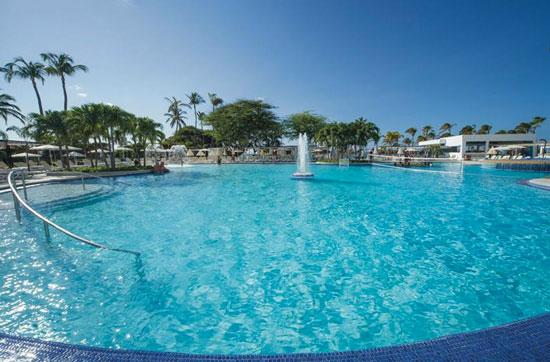Resort met groot zwembad Aruba