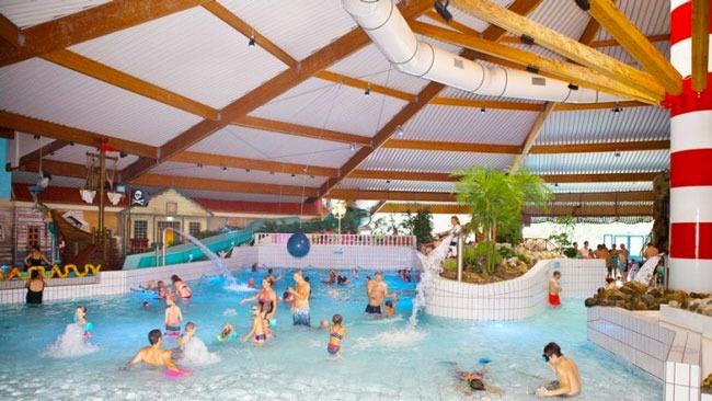 3x bijzondere vakantieparken met subtropisch zwembad in Nederland