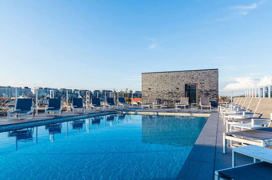 Hotel België (Blankenberge) met buitenzwembad op dakterras