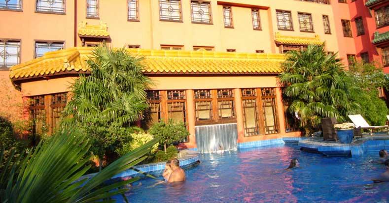 Bijzonder sprookjeshotel in Duitsland, leuk voor kinderen en met buitenzwembad