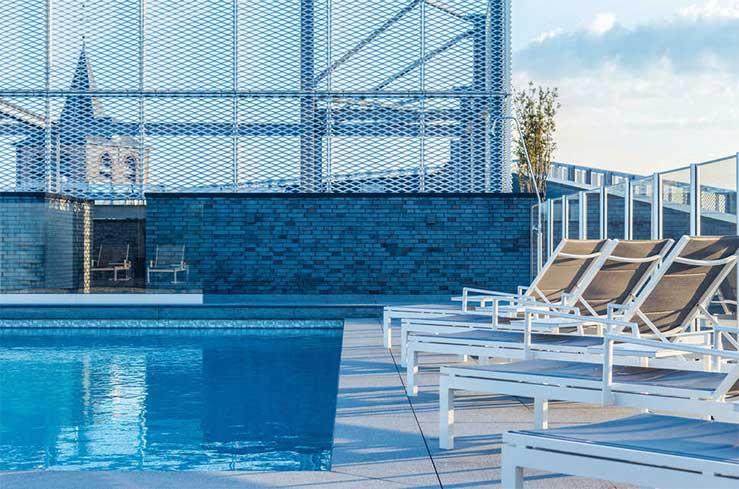 Hotel in België met buitenzwembad op dakterras