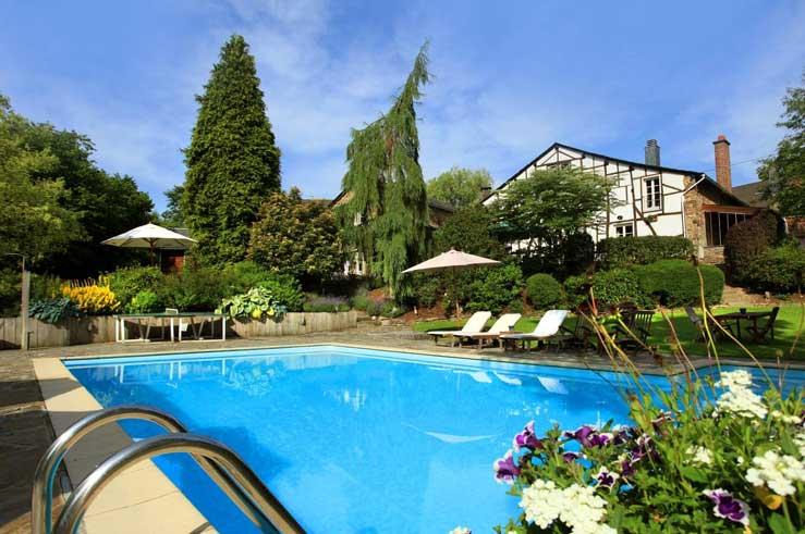 Hotelkamer of toch een appartement? Heerlijk hotel met buitenbad in de Ardennen.