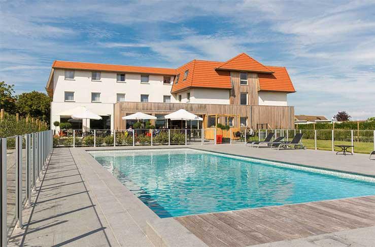 Hotel met buitenzwembad aan de Belgische kust (De Haan)