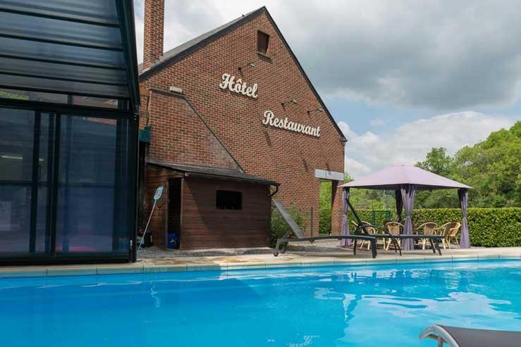 Hotel met buitenzwembad dichtbij de stad Dinant in België