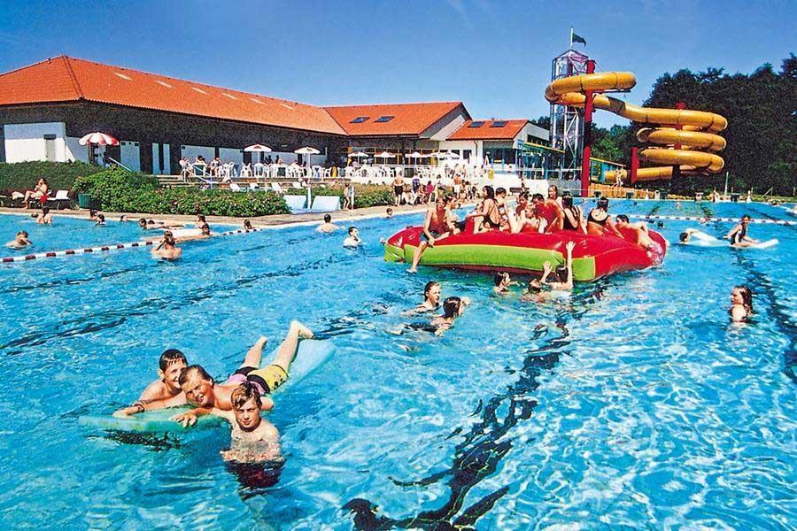 Vakantiepark Noord-Duitsland met groot buitenzwembad