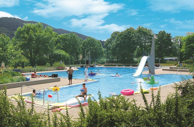 Overnachten in Duitsland met buitenzwembad in de buurt van Europa-Park (Zwarte Woud)