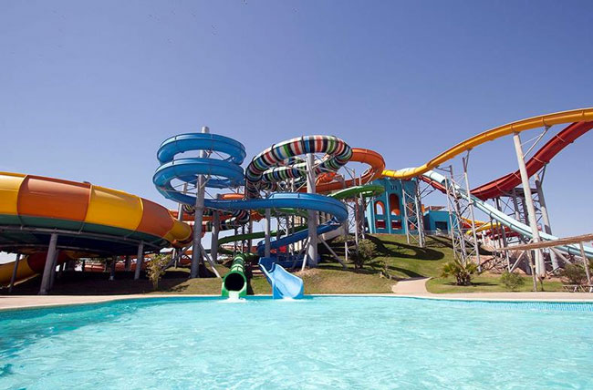 Aquapark met 50 waterglijbanen in Egypte