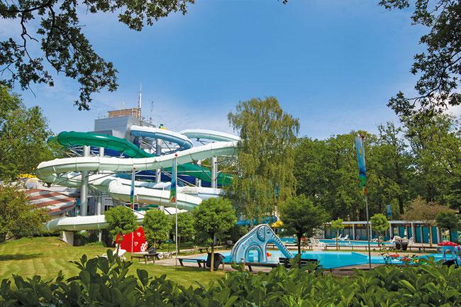 Pretpark en zwemparadijs in één bij Duinrell