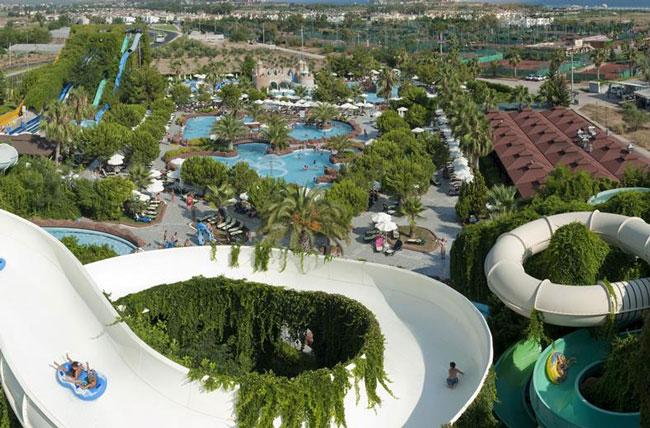 Mega waterpark van 25,000 m2 in Turkije