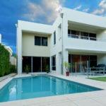 Een vakantiehuis met zwembad? Die boek je hier