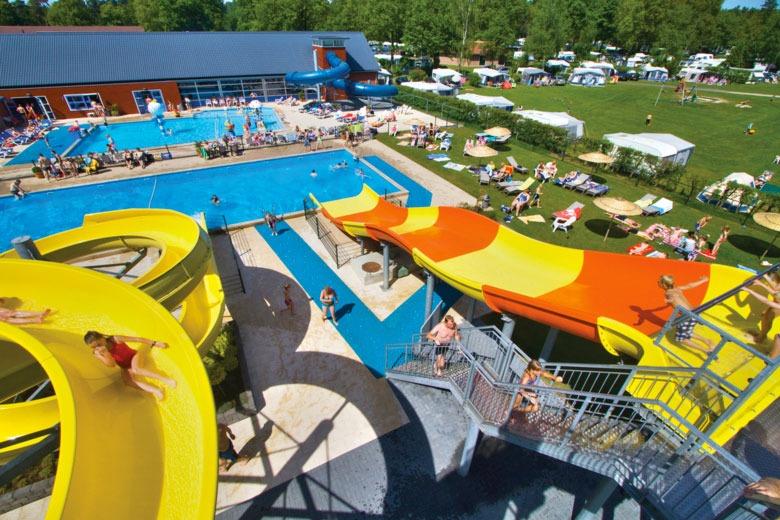 Buitenzwembad open tijdens vakantie in Nederland