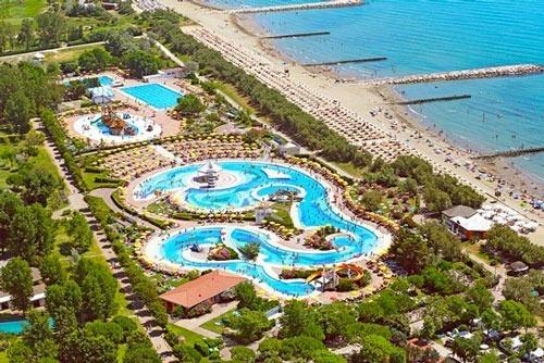 Groot zwembad vakantie
