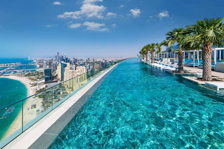 Gloednieuw hotel in Dubai met fantastische infinity pool