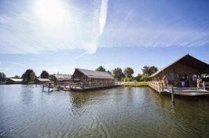 Camping-Brabant-met-zwembad-accommodaties