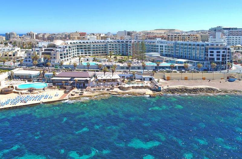 Domen Resort met zwembad